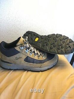 Danner Mens US 13 EUR 48 South Rim 600 4 Sand Brown Hiking Boots Vibram