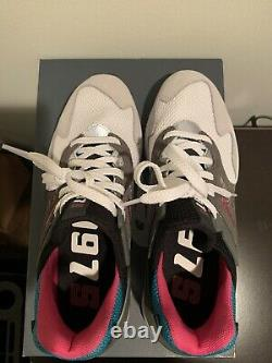 New Balance 997 White Sport South Beach Taille Homme 7.5 Nouveau