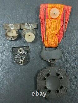 Sud Vietnam Vnch Médaille De Croix De Gallantry Et Adjudant Set Vietnam